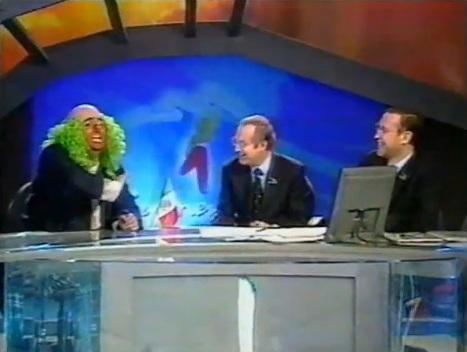 ...mírenlos, aquí estaban hablando mal de televisa y criticando a germán dehesa... luego joserra trabajó con dehesa en espn y los otros dos andan en televisa...