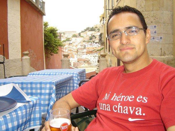 Esta foto no es de Porto, sino de Lisboa, pero qué diablos, me gusta. Era 2005.
